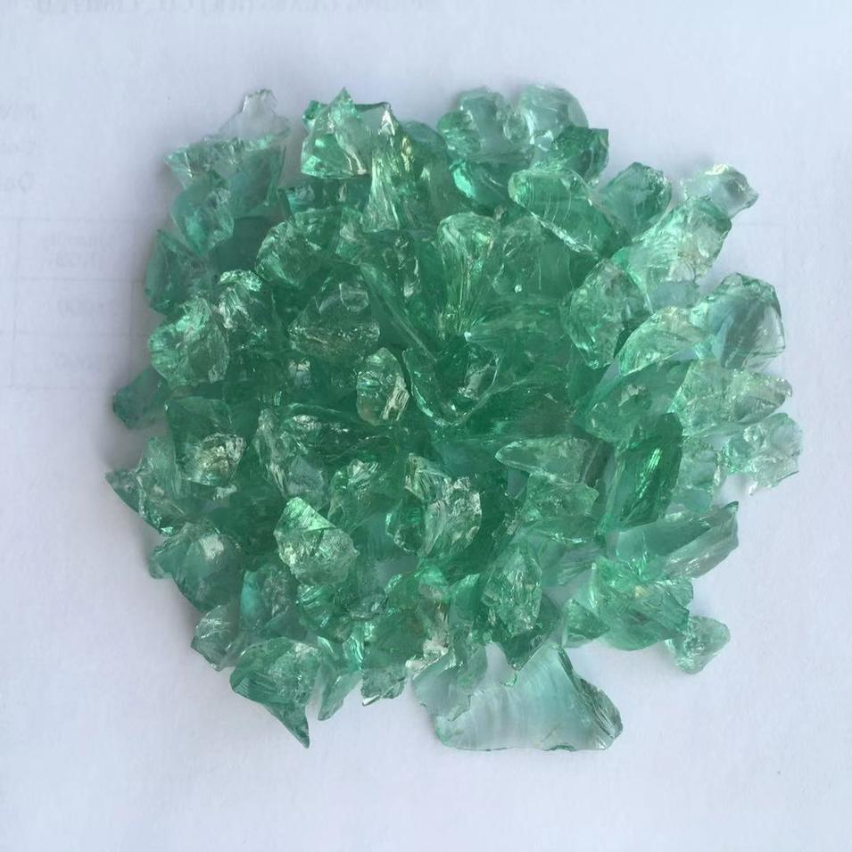 Green crushed glass chips